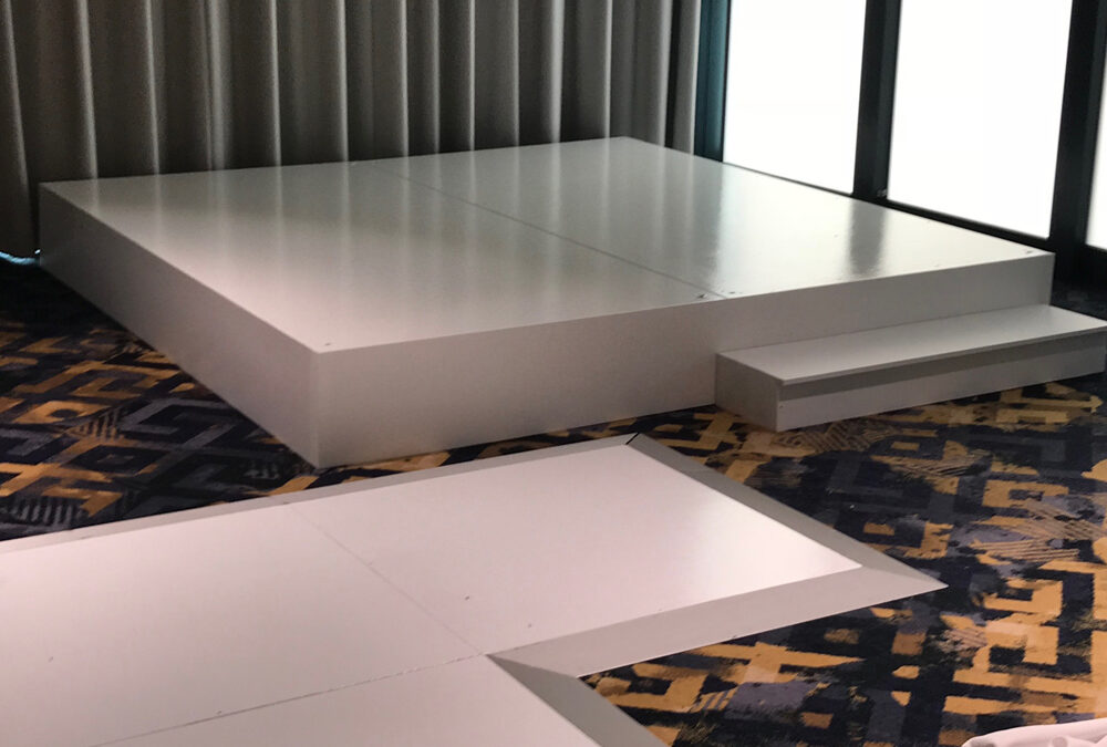 White gloss stage with hard fascia